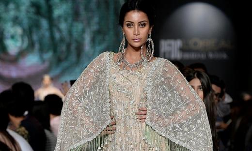 2018春夏婚纱[Ahmed Suhail]巴基斯坦时装发布会